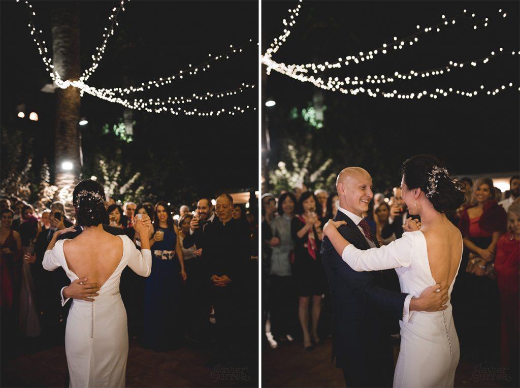 Baile-novios-con-guirnaldas